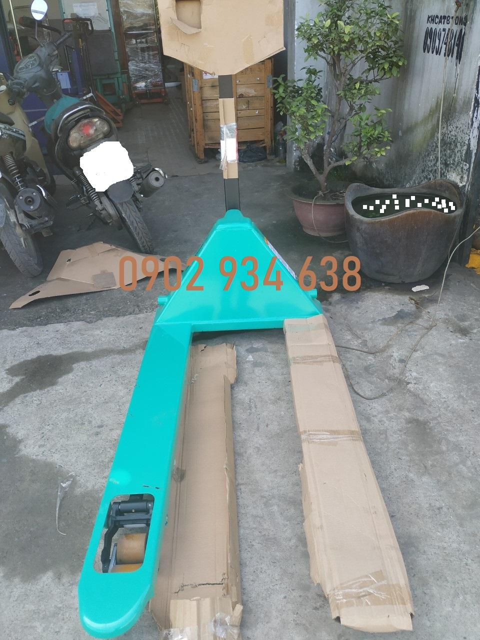 Xe nâng tay mitsubishi 3 tấn càng rộng