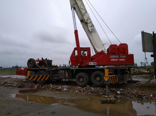 Xe cẩu bánh lốp Tadano TG 700E (70 tấn)